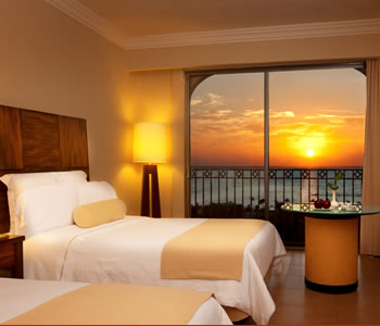 Deluxe Sunset Lagoon View Room, 2 double