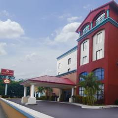 Hotel Fiesta Inn Hoteles en Veracruz: Boca del Río, cerca de la Playa, en Xalapa, en el Puerto Carousel
