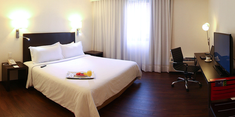 Hotel Fiesta Inn Morelia Junior Suite King Room