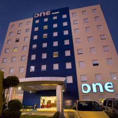 Hotel One Queretaro Plaza Galerias Overview Carousel